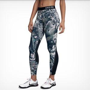 NWT NIKE PRO Dri Fit Tight Fit Leggings XS Print